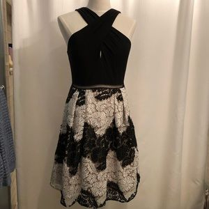 Adrianna Papell size 10 black and white lace dress